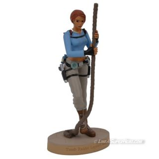 Figurine LARA CROFT Londres (3)
